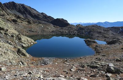 Col de la Croix (2529m) et Lac  de la Croix -  Petits lacs du Sambuis