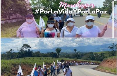 Des guérilléros démobilisés marchent sur Bogota dans un «pèlerinage pour la vie et la paix»