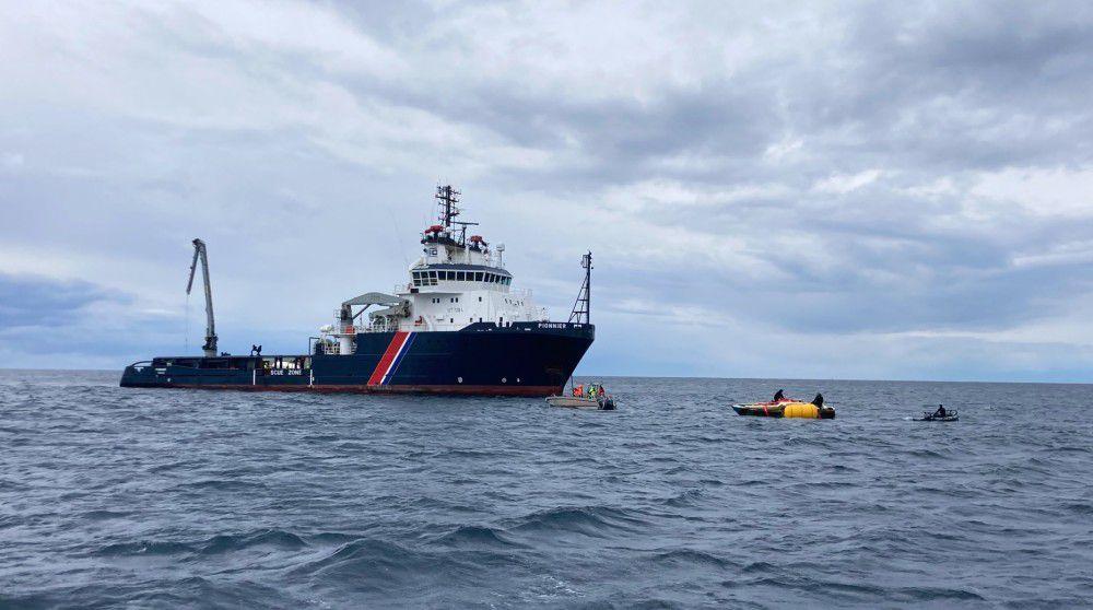 Cinq épaves relevées des baies de Figari et Sant'Amanza par la Marine nationale en Corse