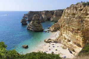 Le Portugal a été l'une des destinations touristiques les plus recherchées par les Britanniques au cours des dernières heures, après l'annonce par le gouvernement d'alléger le confinement en vigueur en Angleterre en raison du covid-19, bien que les vols avec le Royaume-Uni restent interdits.