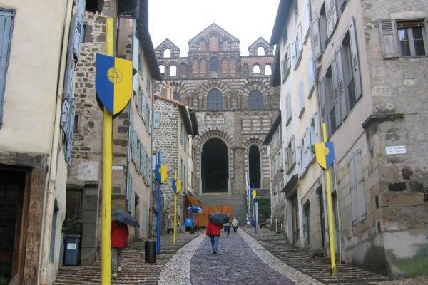 Chemin de Saint Jacques Le Puy-en-Velay->St Privas d'Allier, 23 km.