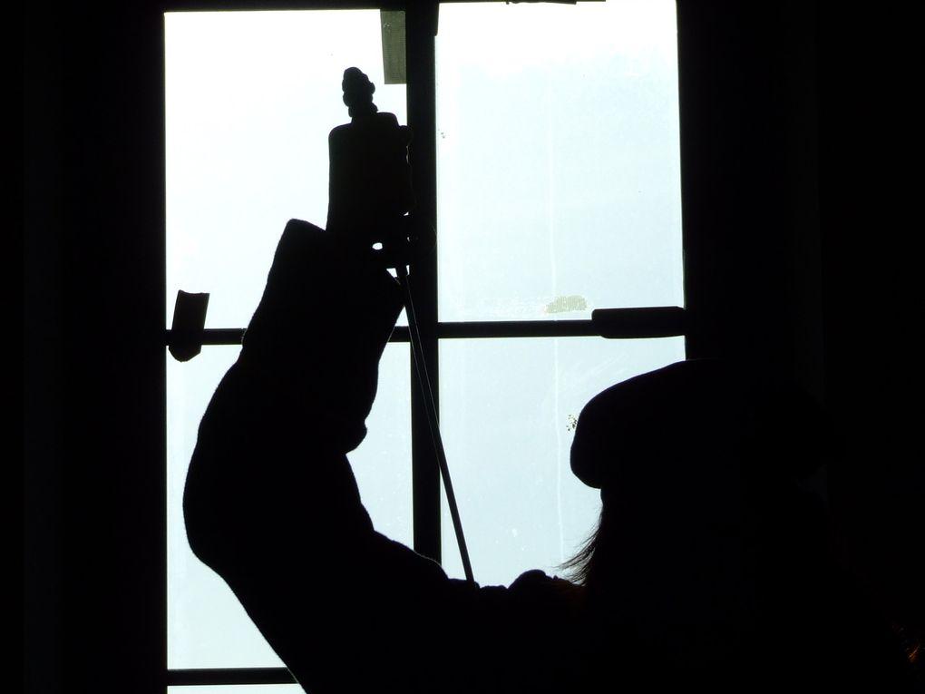 Essais costumes Ambiances Maquillages pour le Goûter des Généraux. Avec Véro, Emilie et Claude Maquillage : Fanny Luxe Photos : David