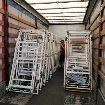 Le 165ème camion d'AIMA part pour la Croix Rouge de Lettonie, chargé de 55 lits médicalisés