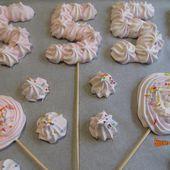 Décors en meringue pour des gâteaux d'anniversaire - www.sucreetepices.com
