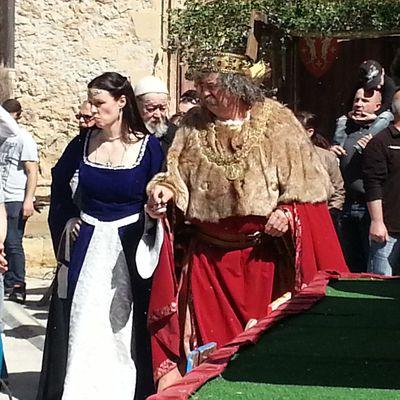Journée médiévale à Peyrolles en Provence et grotte au palmiers