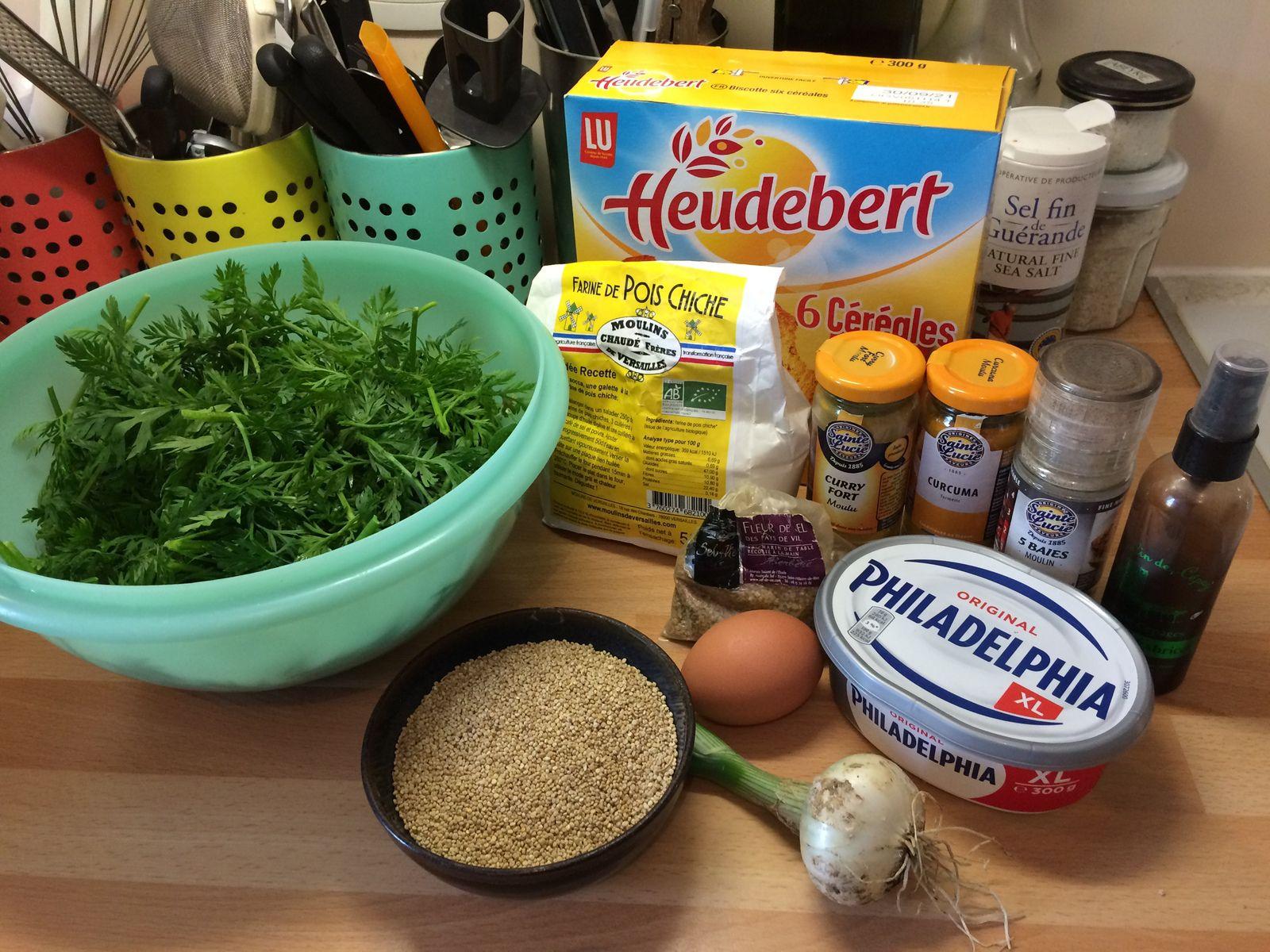J'ai également décidé de remplacer le fromage blanc par du Philadelphia pour son goût sucré-salé et sa texture compacte pour assurer un bon liant. Enfin j'ai rajouté un peu de chapelure (ici à partir de biscottes mixées, mais pour une version sans gluten on peut mixer des flocons de riz ou des corn flakes non sucrés).