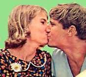 Rita et Norman Harrington quittent Peyton Place