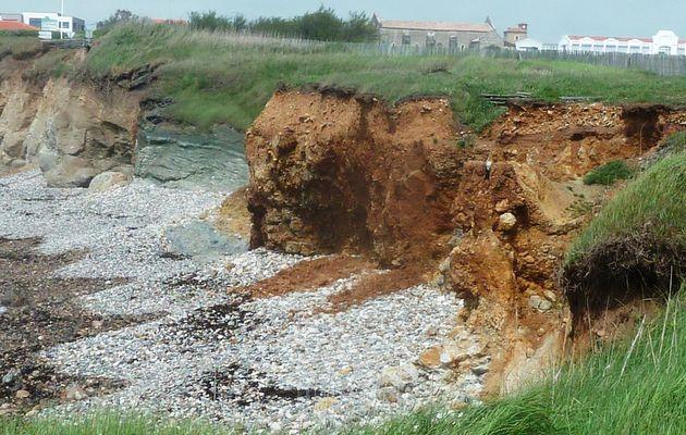 Erosion à l'anse aux moines aux chateau d'Olonne