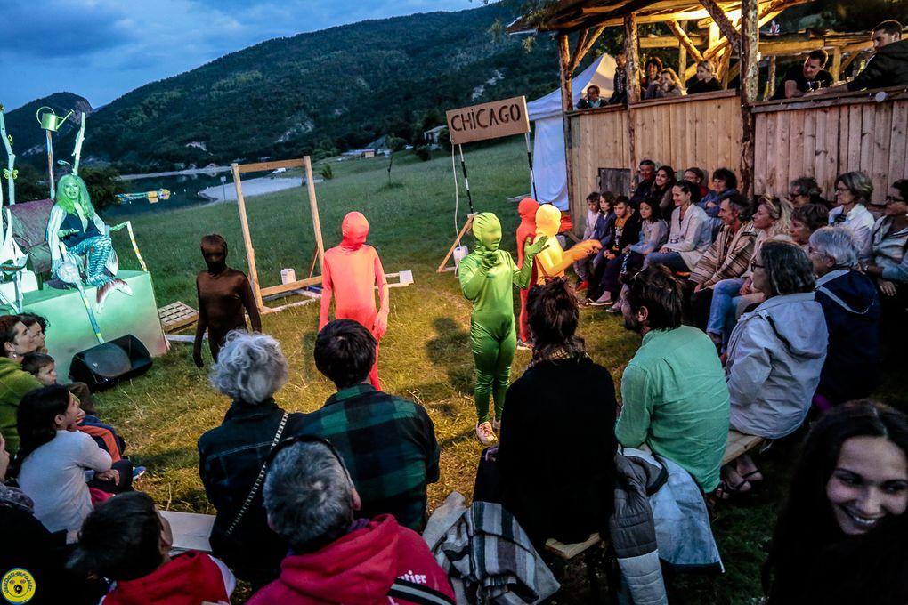St André les Alpes  : La capture du Verdon , au snack du lac avec les cabotins...