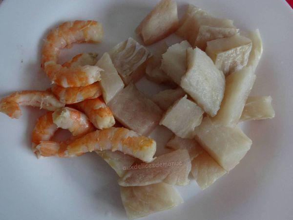 Filets de dorade sébaste et crevettes à la bisque de homard