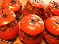 Tomates Farcies Épicées Sur Couscous