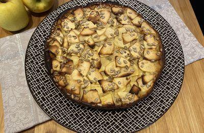 Clafoutis d'automne aux pommes, à la farine de châtaigne et aux graines de tournesol