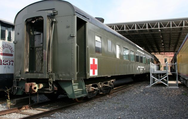 MTH Premier 70' Streamlined U.S. Army Hors Catalogue