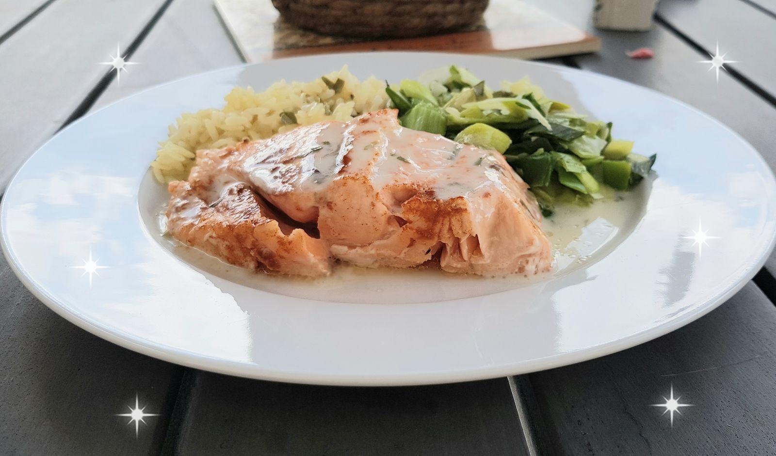 Pavé de saumon, poireaux et riz  sauce crème estragon (I-cook'in)