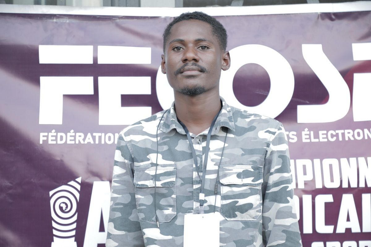 Enock Mayamba. Champion du Congo sur Pro Evolution Soccer