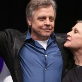 """""""Star Wars"""" : Mark Hamill rend hommage à Carrie Fisher pour son étoile d'Hollywood"""