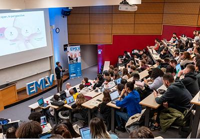 Présenter les nouveaux métiers du Digital et de la Data via des Master Class, le pari de l'EMLV et de l'IIM.