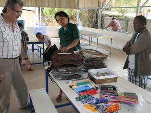 Vos fournitures scolaires distribuées aux enfants