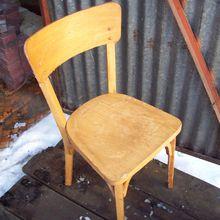 Customisation d'une chaise en hêtre