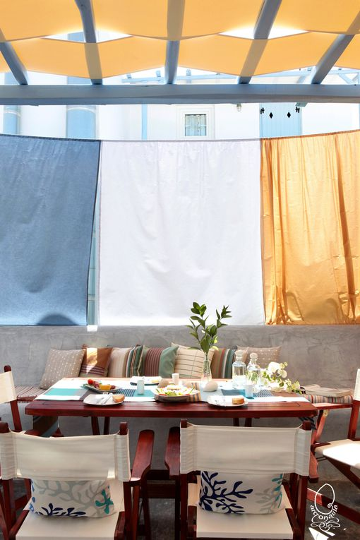 Photos Costas Picadas pour l'Hotel Argonaute à Paroikia Paros , décoration avec les produits de la boutique ONEIPA.