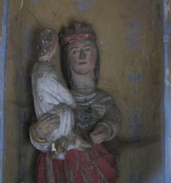 Ces petits oratoires sont très courants dans la région. Ils sont généralement dédiés à la Vierge Marie. D'où leur nom : mariette. (voir Monuments et Sites de l'Eure n°145 pp 9 - 17)