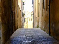 Une ville aux ruelles colorées et peuplées.....je me suis senti à l'aise dans cette petite ville que j'ai trouvé plus accessible et chaleureuse que San Gimignano...Peut être le poids de l'inconscient collectif !!!