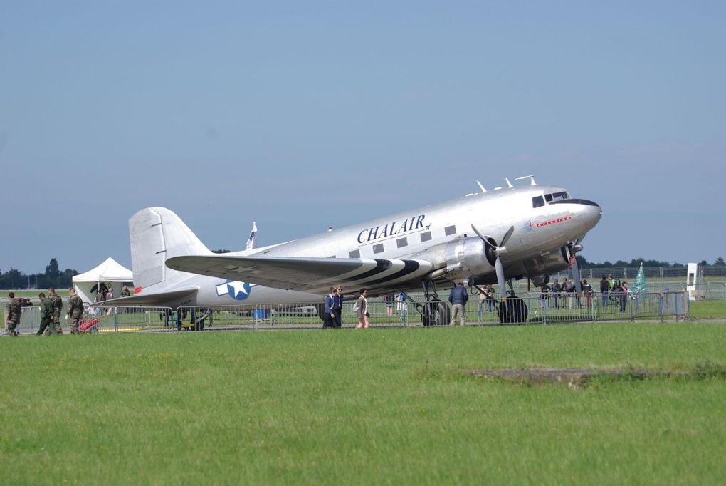 La bête de somme, le Douglas DC-3 F-AZOX de Chalair.