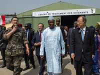 Ebola : Ban Ki Moon au centre médical français de Conakry