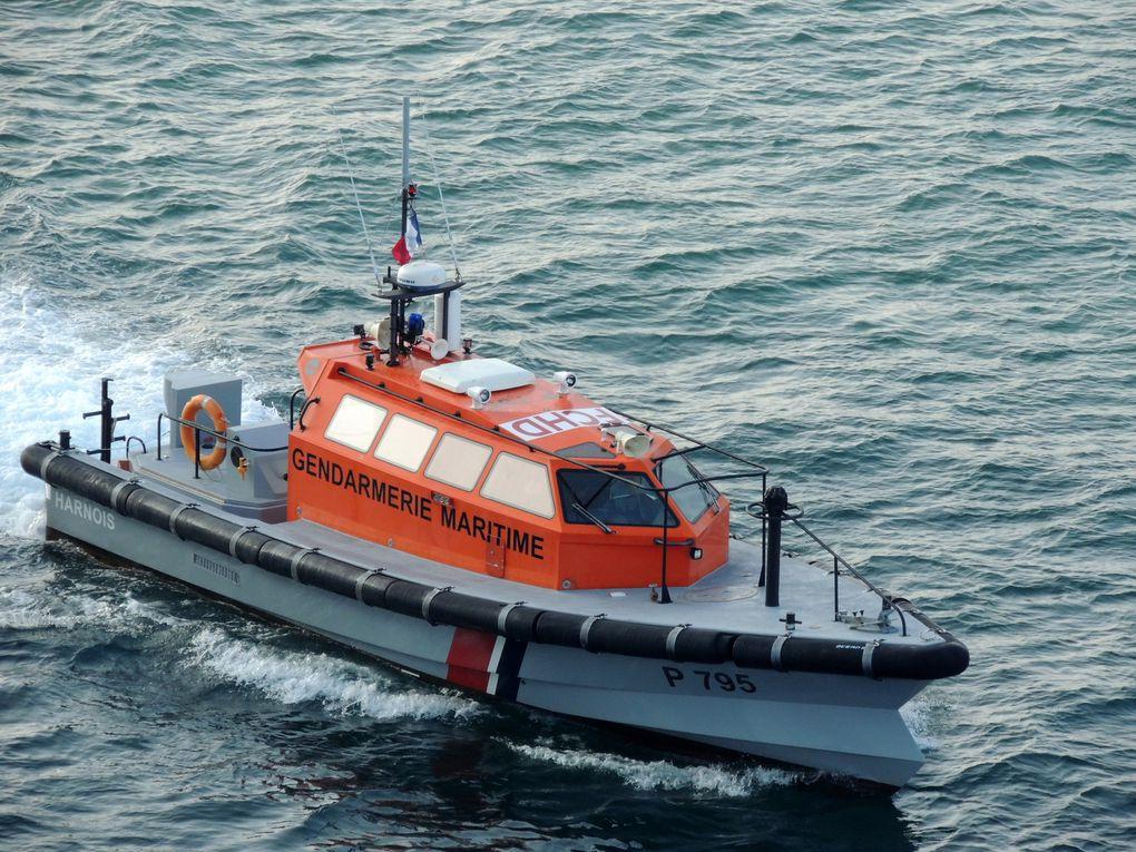 HARNOIS , vedette de surveillance maritime et portuaire  (VSMP) en rade de Marseille le 04 juillet 2014