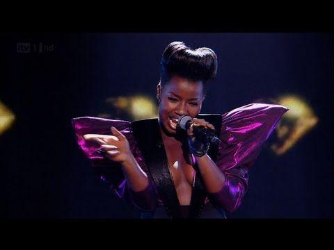 "X Factor Grande-Bretagne : ""Would I lie to you baby"" par Misha (vidéo)."