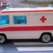 MERCEDES 609D AMBULANCE ET POLICE SIKU - car-collector.net
