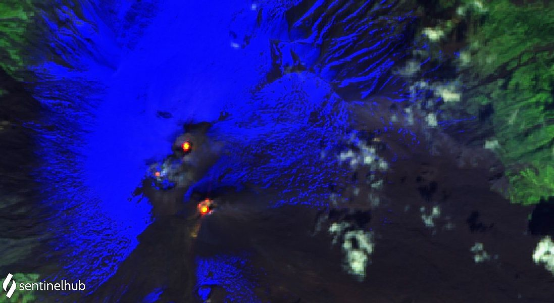 Etna - hot spots at the summit craters on 10/21/2021 - image Sentinel-2 bands 12,11,4 - one click to enlarge