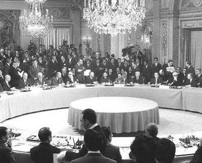 PAGE D'HISTOIRE ET DEVOIR DE MÉMOIRE : IL Y A 59 ANS LES SITES NUCLÉAIRES DU SAHARA INTÉGRÉS DANS LES ACCORDS D'ÉVIAN SIGNÉS LE 18 MARS 1962 À 17 H 40.