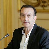 """Une tribune accuse Macron de """"démolir"""" le ministère de la Culture"""