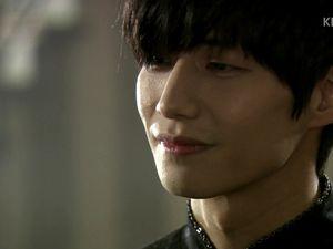Pour commencer par l'évident, Mo Il Hwa a toujours une classe de malade et Song Jae Rim est toujours superbe.