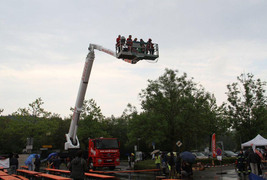 Regen trübte Familientag beim 150jährigen Stiftungsfest der Feuerwehr - Aber volles Festzelt