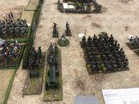 Dés le départ je me retrouve avec un canon ennemi sur ma route ...charge ! Pendant ce temps mon voisin qui se trouve aussi être un allié avance vers Lyon !