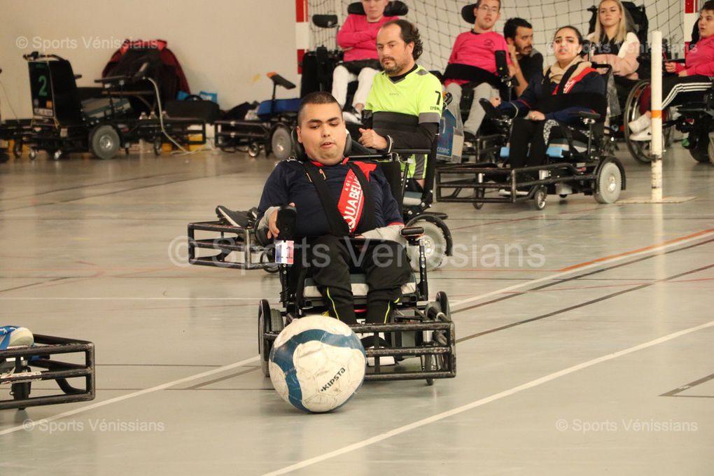 La Division 1 de  foot-fauteuil était presente à Vénissieux ce week-end