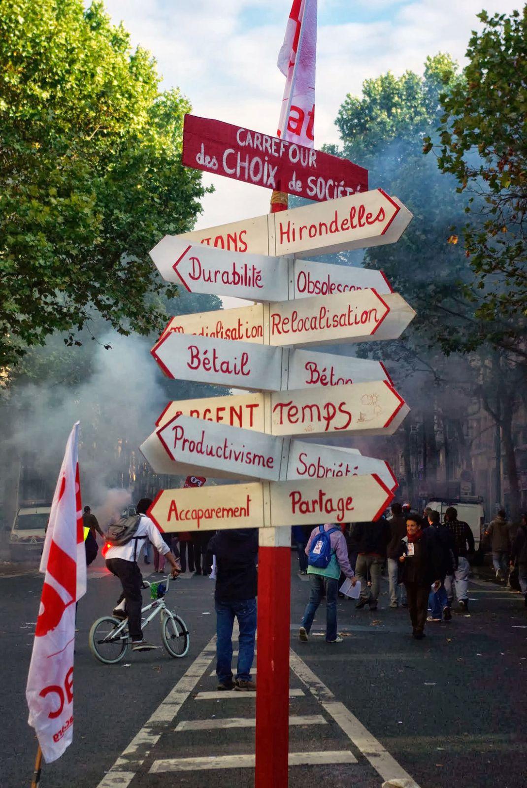 Hirondelles, bétail, partage, décroissance, légumes, vie, solidarité, démocratie...
