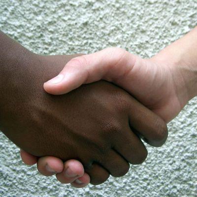 ★ Combattre le racisme, c'est lutter contre l'idéologie qui le soutient