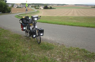 A bike ride from Paris to Brittany, along the Seine, the Loire and the Nantes - Brest canal. Day 2