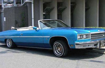 C'est quoi cette voiture bleue ???