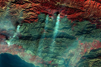 Avec Copernicus, les satellites Sentinel surveillent la progression des incendies en Californie