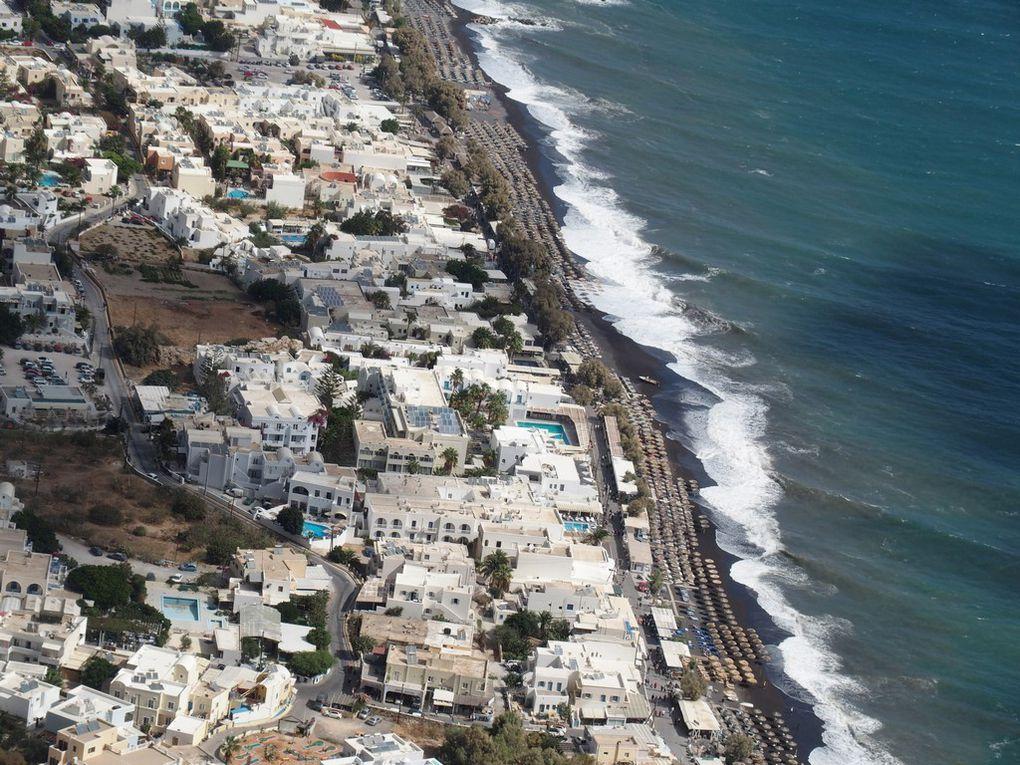 la ville et la plage vue d'en haut ....
