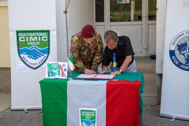 Kosovo:Paracadutisti della Folgore donano impianto fotovoltaico all'ospedale di Strpce