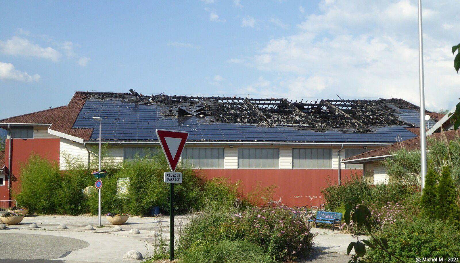 La toiture du Pré de l'Eau est partie en fumée