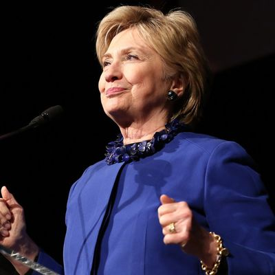 MAJ: Hillary Clinton lance un nouveau groupe politique: 'Onward Together' = EN MARCHE .....
