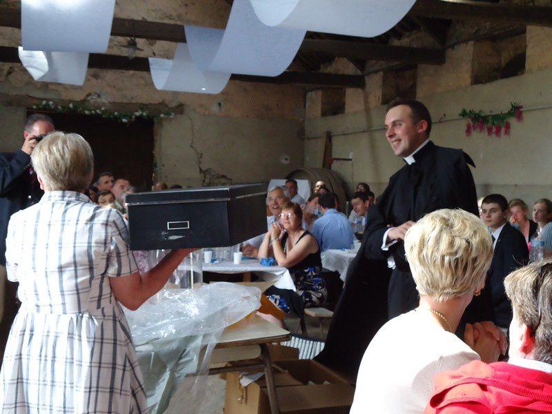 Quelques souvenirs de cette magnifique journée autour de Jésus-Hostie et en action de grâce pour les 10 ans d'ordination de M le chanoine Cristofoli