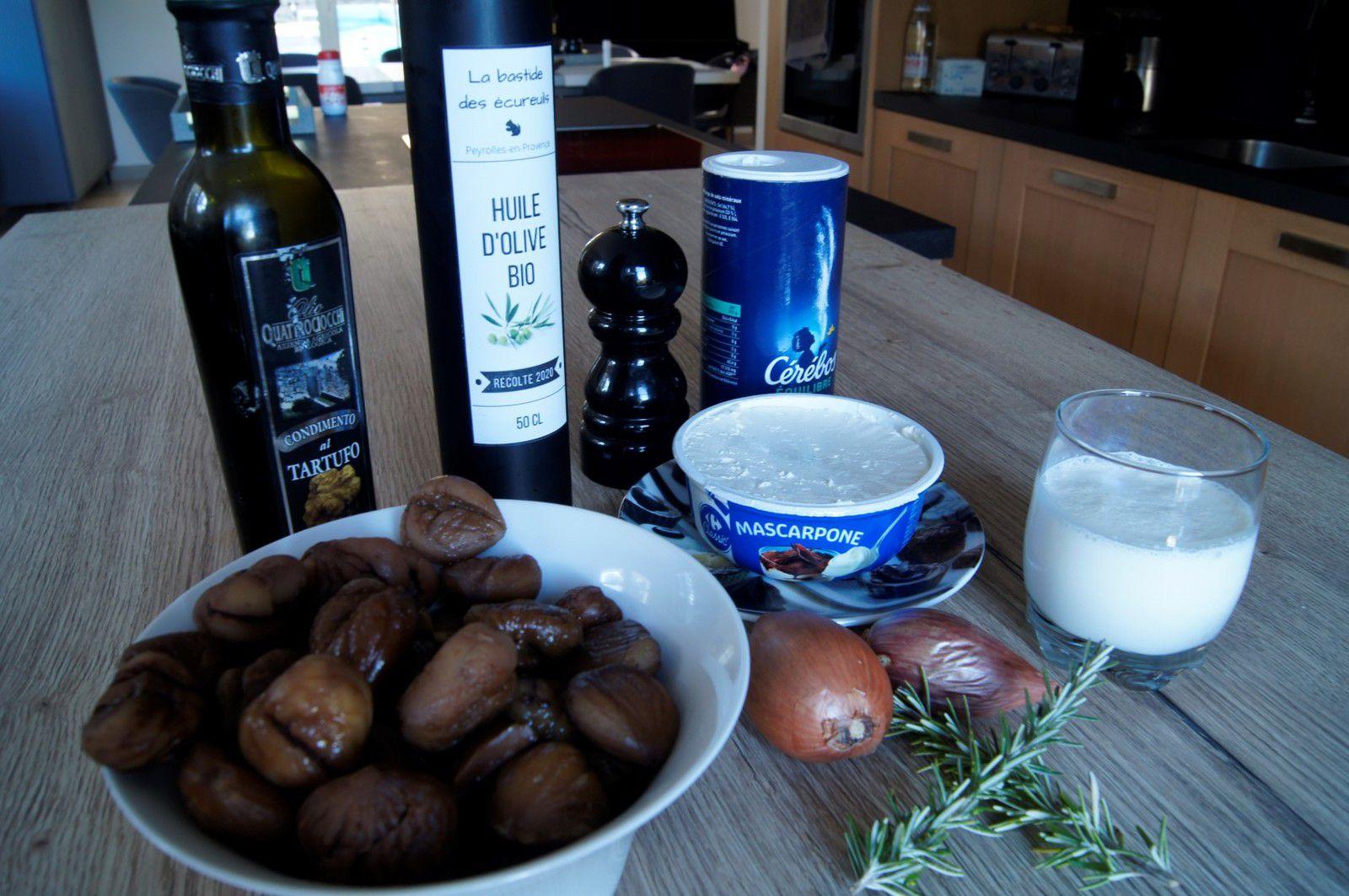 Soupe de châtaignes au mascarpone et à l'huile de truffe