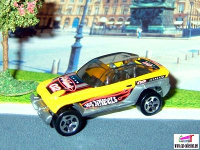 jeep-jeepster-yellow-hot-wheels-2002